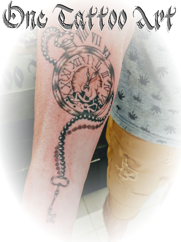 horloge tattoo-one tattoo art