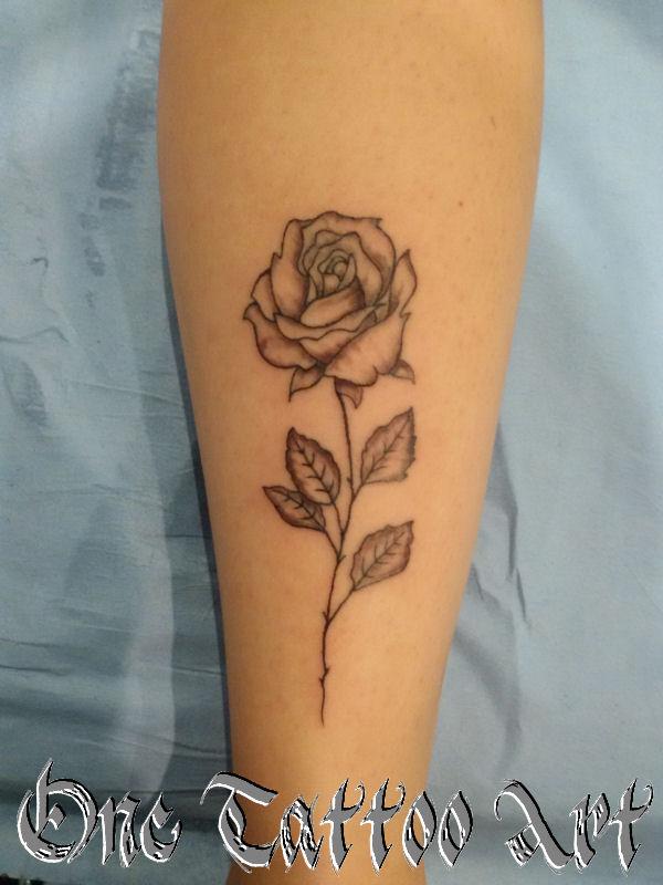 rose - one tattoo art -frejus