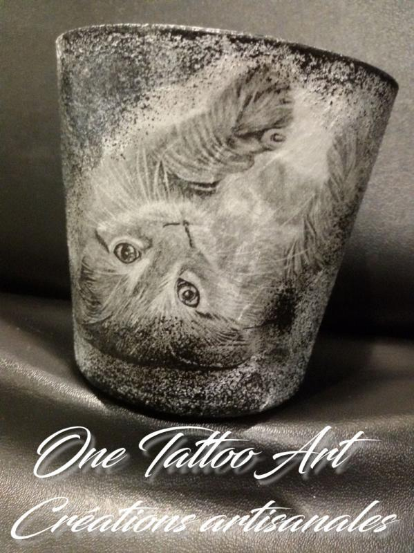 Bougie personnalisee one tattoo art creation chat 1