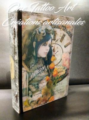 One tattoo art creation artisanales grimoire boite