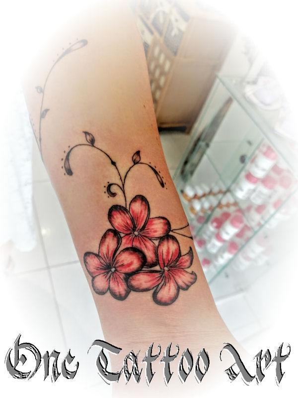one tattoo art - fleur de frangipannier